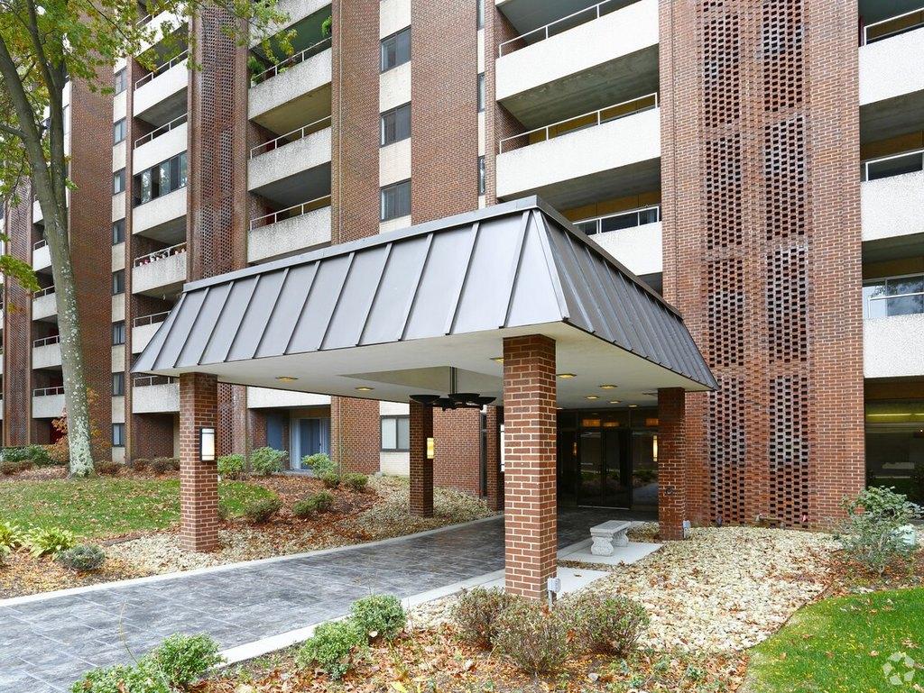 1100 Penn Center Blvd, Pittsburgh, PA 15235