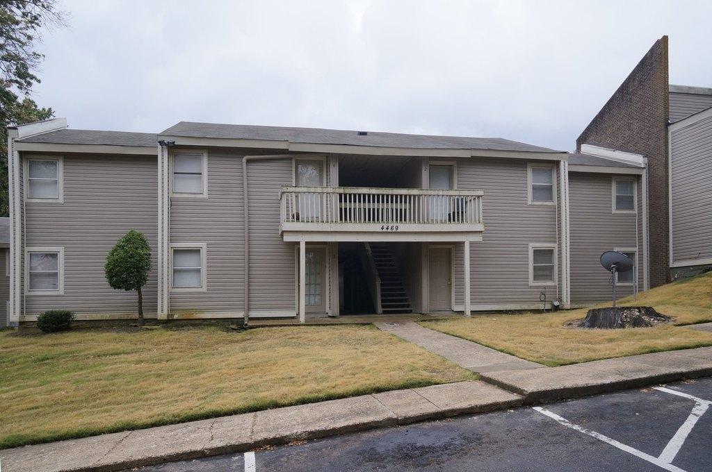2882 Beverly Hills Rd, Memphis, TN 38128