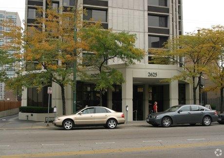 2623-2627 N Clark St Chicago, IL 60614