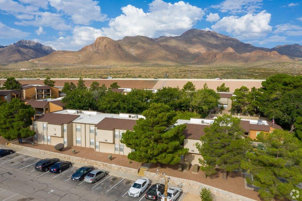 10330 N Gateway Blvd, El Paso, TX 79924