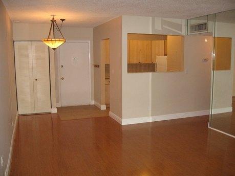 13714 Sw 90th Ave Miami, FL 33176