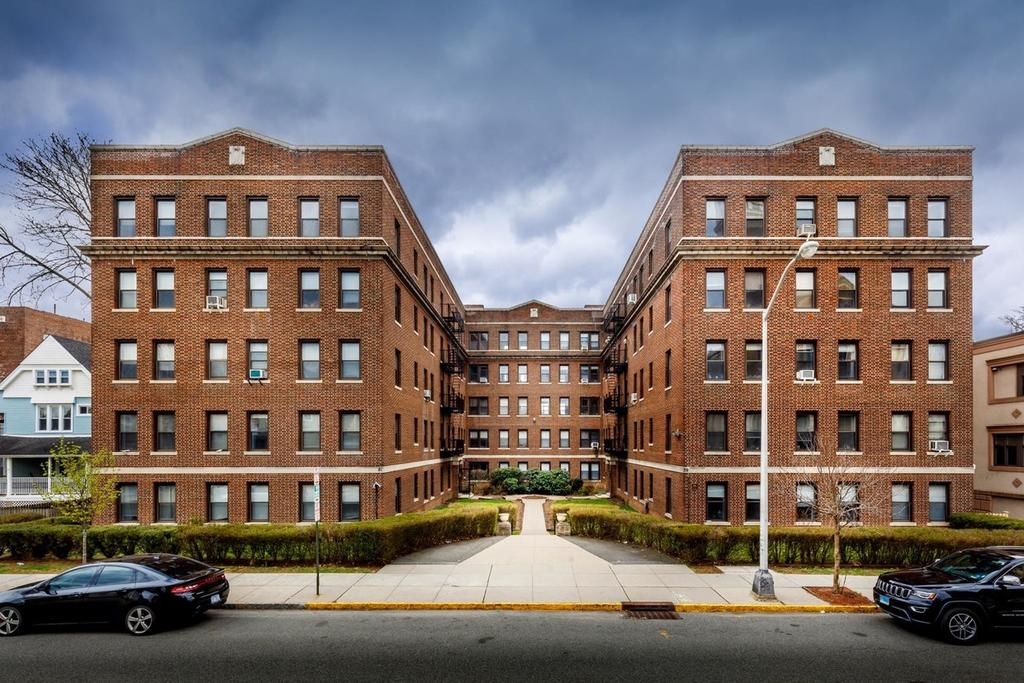 The Montclair Gardens 39 41 N Fullerton Ave Apartment For Rent