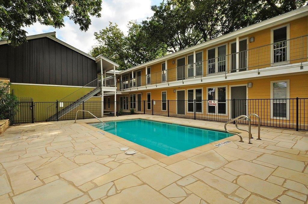 2526 Durwood St, Austin, TX 78704
