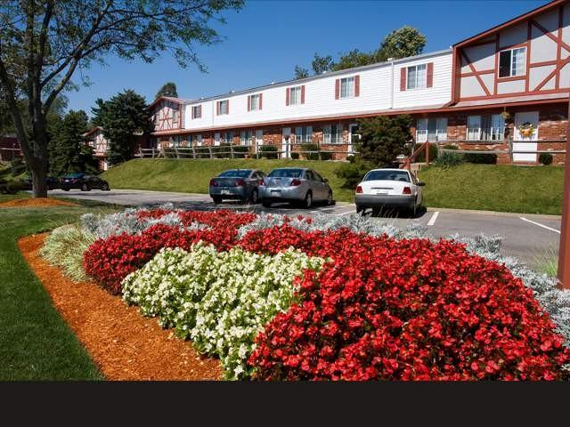 1250 Village Green Dr, Jefferson Hills, PA 15025
