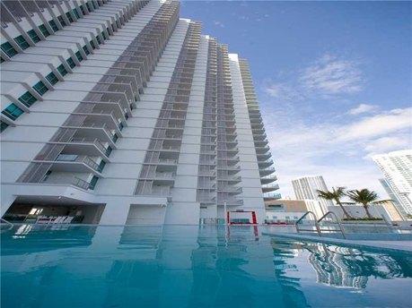 350 S Miami Ave Miami, FL 33130