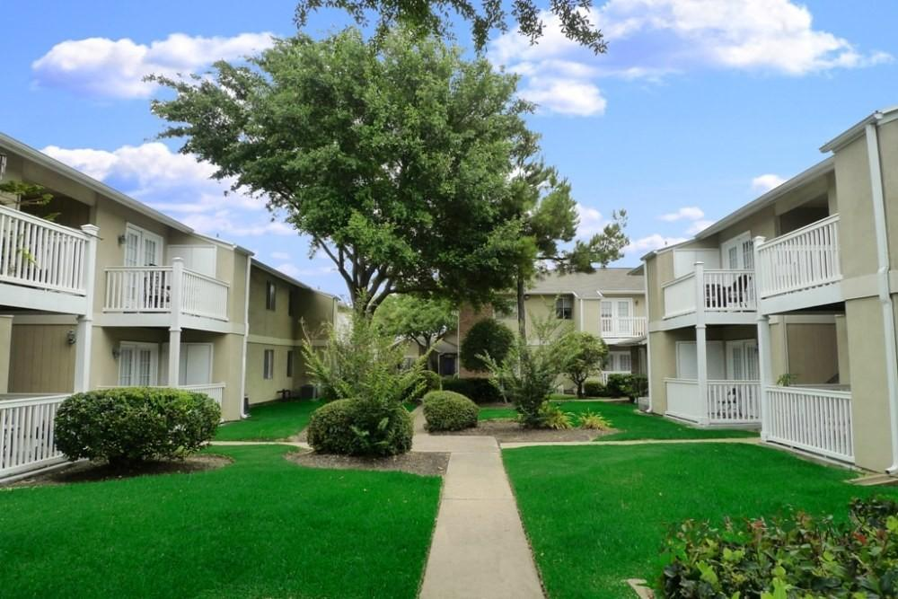 Apartments Near I  And Beltway
