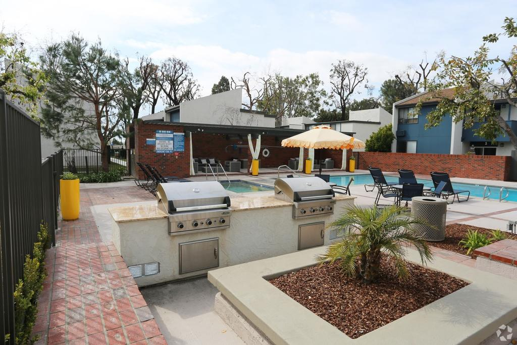 516 S Indian Hill Blvd, Claremont, CA 91711