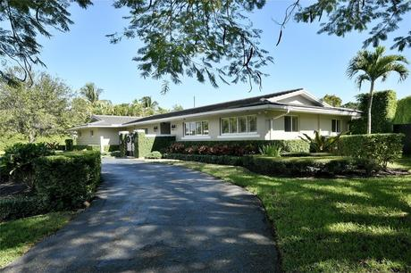 14105 Sw 81st Ave Palmetto Bay, FL 33158