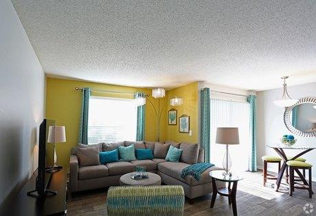 8102 N Sheldon Rd, Tampa, FL 33615