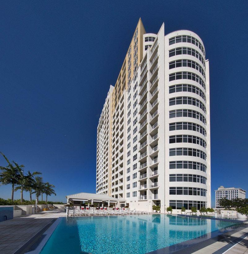 Fort Lauderdale Apartments: New River Yacht Club