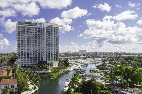 1951 NW South River Dr, Miami, FL 33125