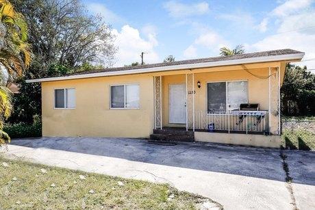 1250 Nw 112th Ter Miami, FL 33167