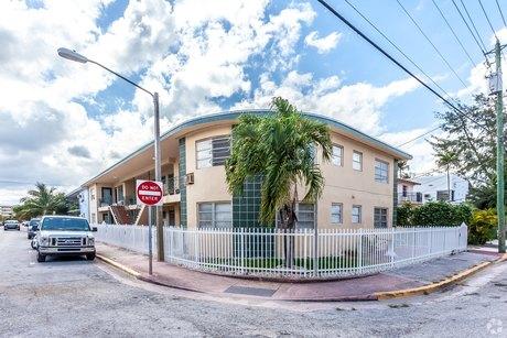 401 79th St, Miami Beach, FL 33141