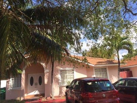 13733 SW 154th St, Miami, FL 33177