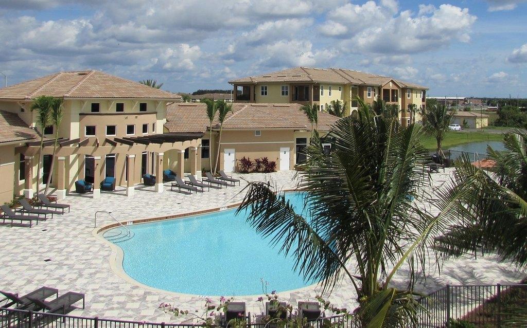 4590 Winkler Ave, Fort Myers, FL 33966