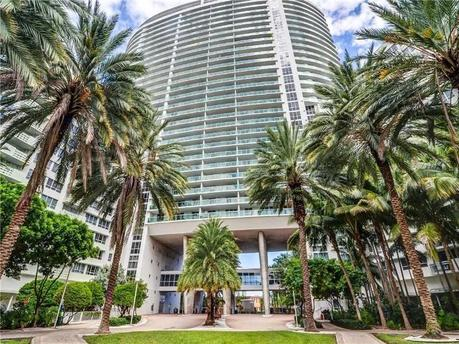1500 Bay Rd Apt 930 Miami Beach, FL 33139