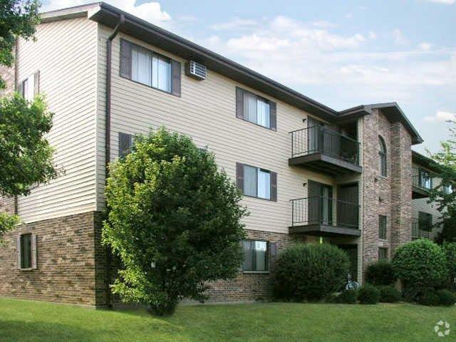 4042 Washington Rd, Kenosha, WI 53144
