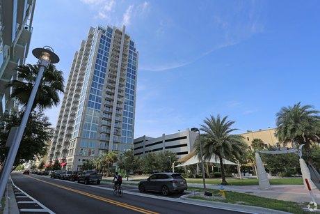 112 N 12th St Tampa, FL 33602