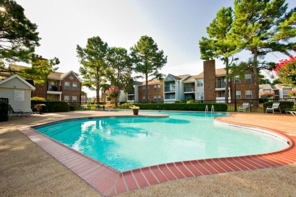 6420 Knight Arnold Rd, Memphis, TN 38115