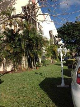 20381 Ne 30th Ave # 202-7 Miami, FL 33180