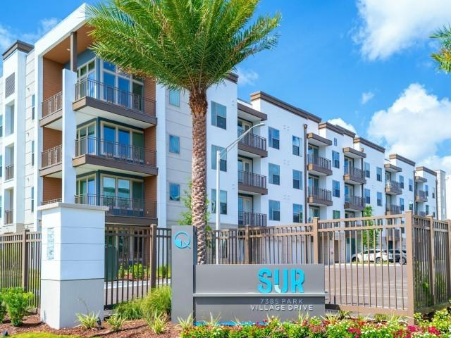 7385 Park Village Dr, Jacksonville, FL 32256