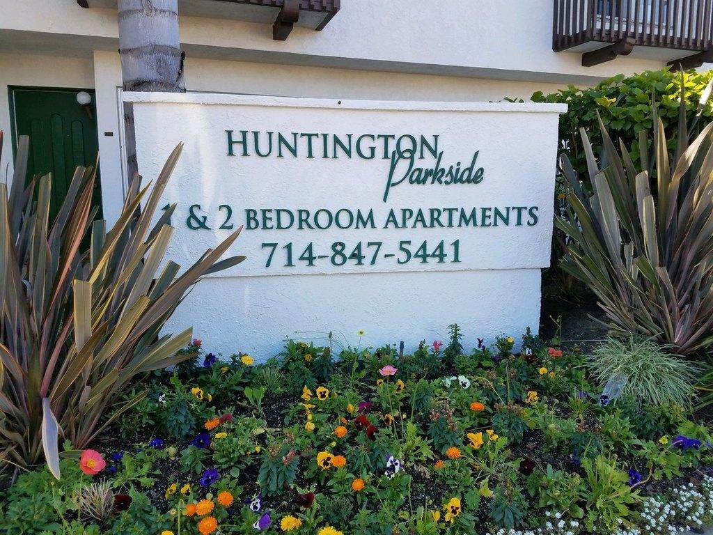 16211 Parkside Ln, Huntington Beach, CA 92647