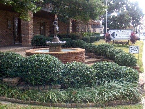 1617 Fountain View Dr, Houston, TX 77057