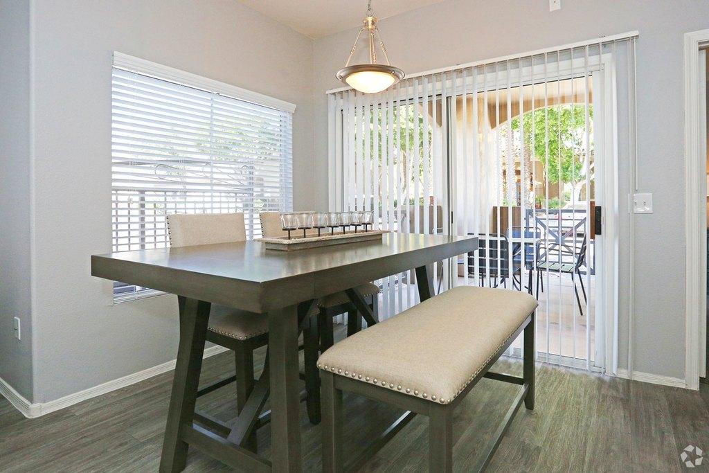 signature place 600 w grove pkwy apartment for rent doorsteps com