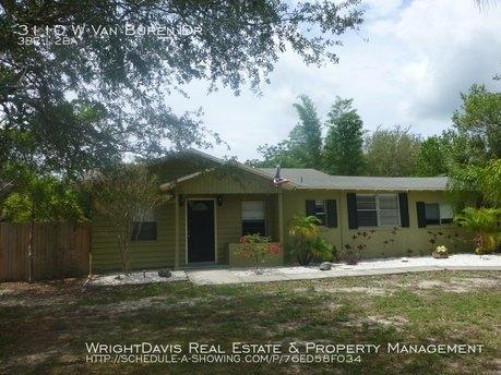 3110 W Van Buren Dr, Tampa, FL 33611