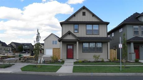 20548 Gloucester Ln, Bend, OR 97701