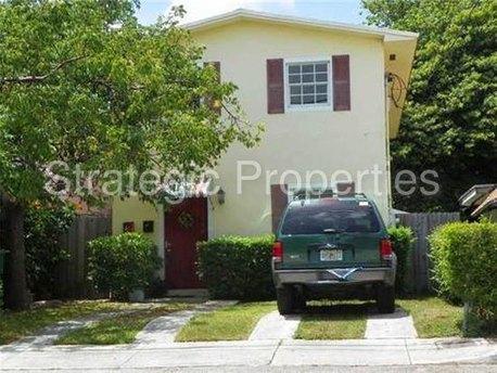 3174 Hibiscus St Miami, FL 33133
