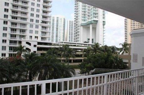701 Brickell Key Blvd Miami, FL 33131