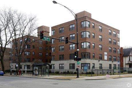 1215 E Hyde Park Blvd, Chicago, IL 60615