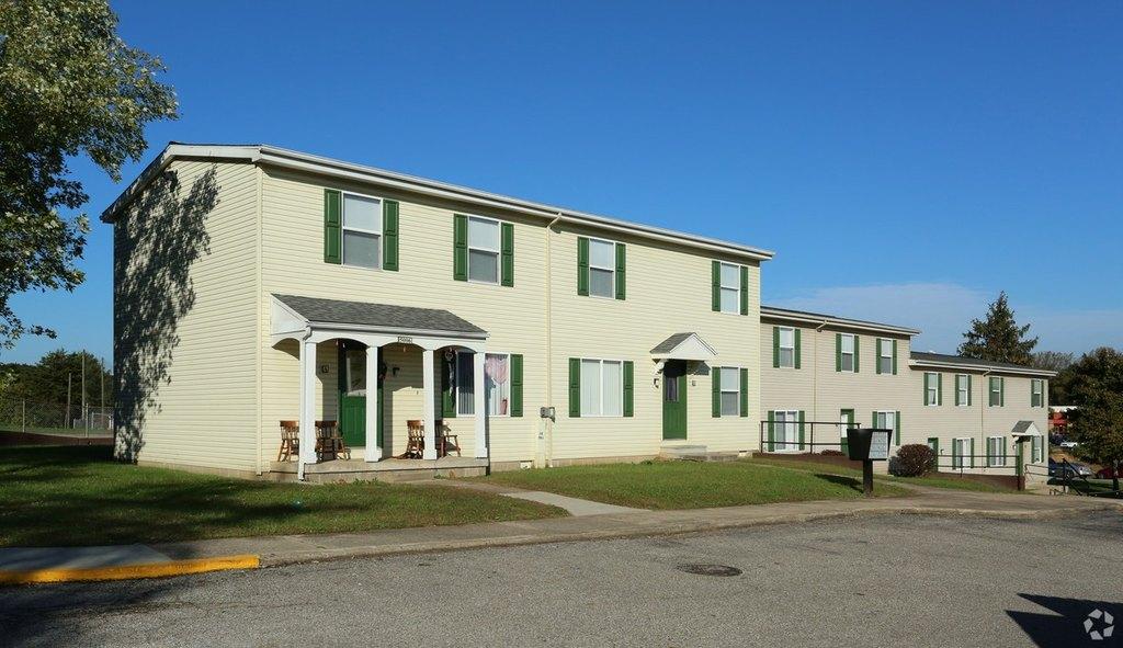 4992 Richland Dr, Charleston, WV 25309