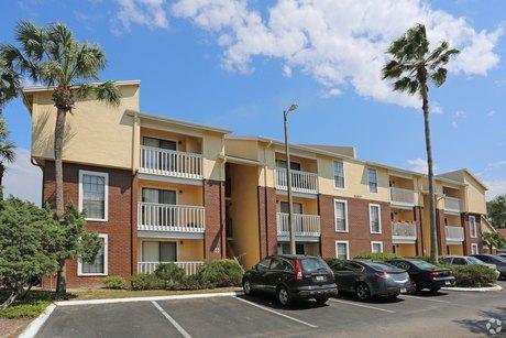 11325 N 50th St Tampa, FL 33617