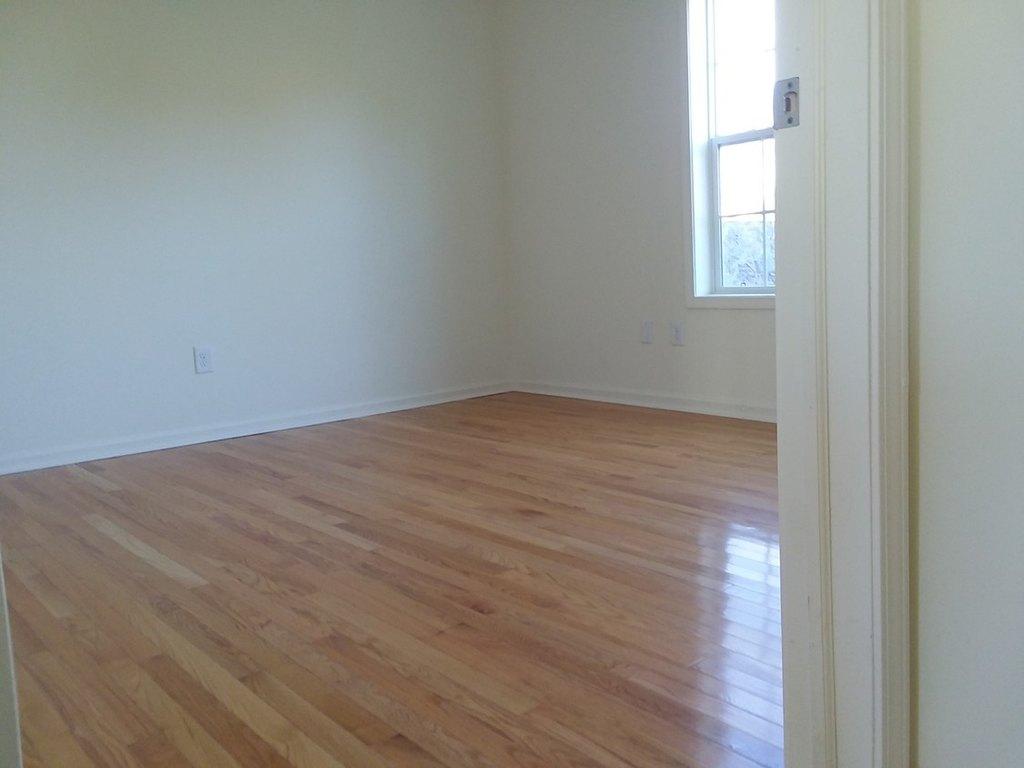 Cedar Crest Apartments 147 Wallins Corners Rd Apartment For Rent Doorsteps