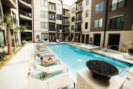 4242 Cedar Springs Rd Dallas, TX 75219