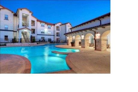 1701 Oak Hill Ln Austin, TX 78744
