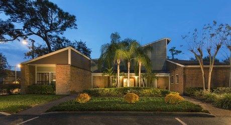 14138 Monterey Pines Dr, Tampa, FL 33613