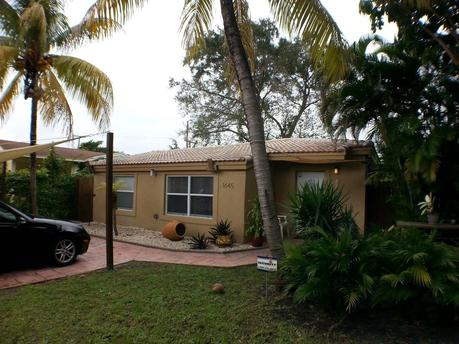 1645 Ne 175th St North Miami Beach, FL 33162