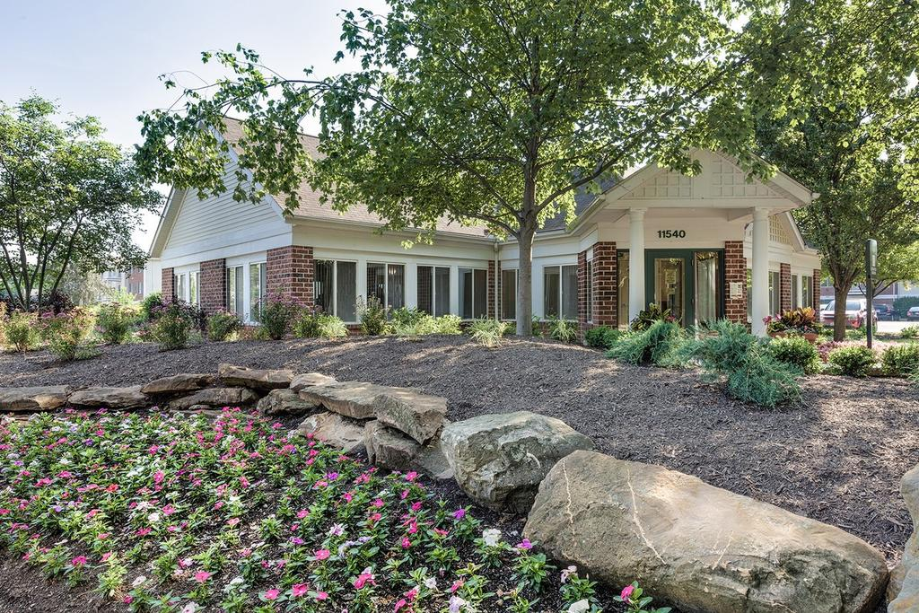 11540 Apache Dr, Parma Heights, OH 44130
