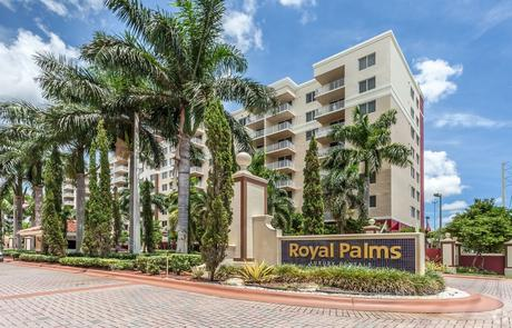 7707 NW Royal Palms 7707 Nw 7th St, Miami, FL 33126