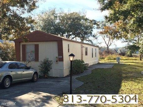 8207 Bowles Rd Lot 18 Tampa, FL 33637