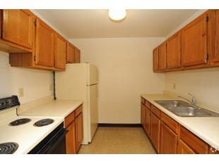 Astounding Watertown Wi Apartments Houses For Rent 4 Listings Beutiful Home Inspiration Ommitmahrainfo