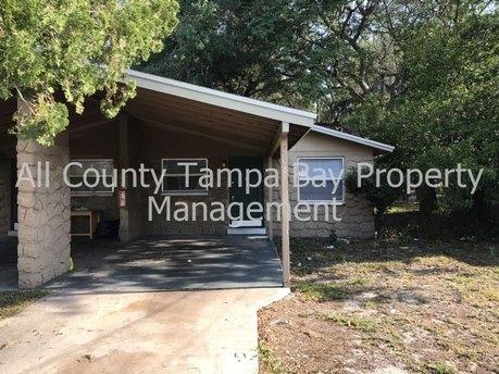 1408 E 137th Ave, Tampa, FL 33613
