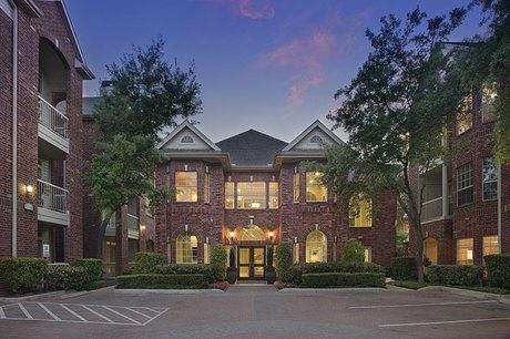 3000 Bissonnet St, Houston, TX 77005