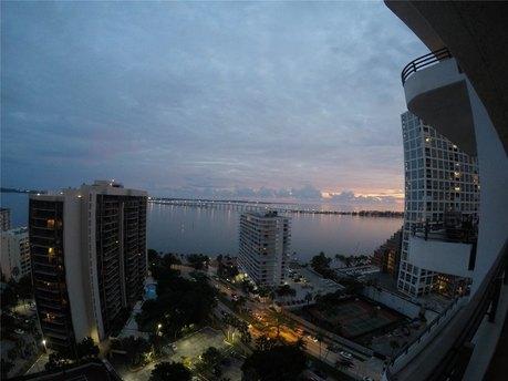 151 Se 15th Rd Apt 2102 Miami, FL 33129