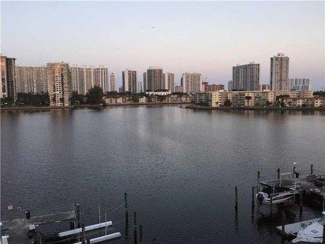 18081 Biscayne Blvd # 504-4 Aventura, FL 33160