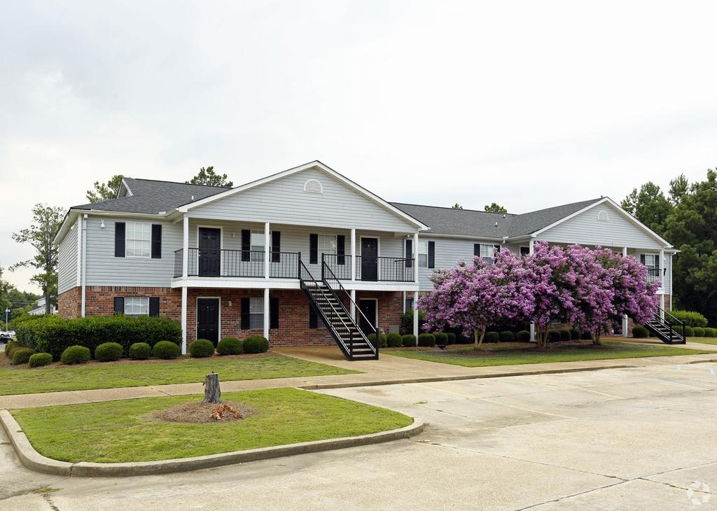 4348 N Gloster St, Tupelo, MS 38804