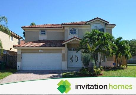 9121 SW 215th Ter, Miami, FL 33189